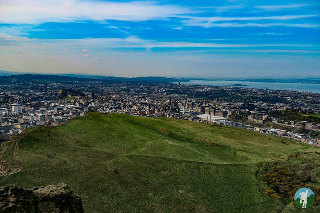 summit arthur's seat edinburgh outdoor active