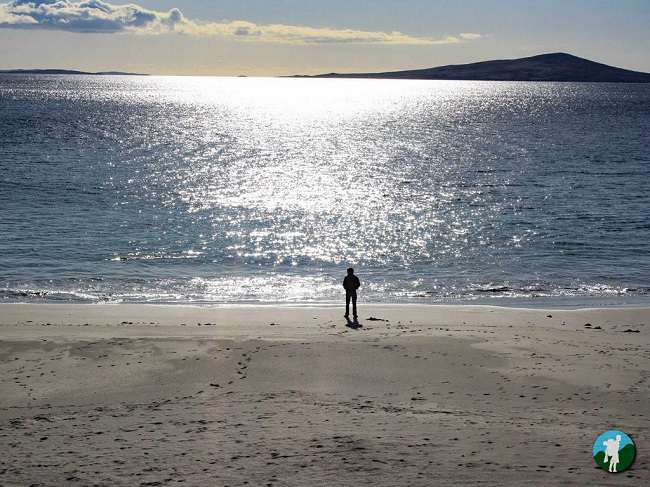 scotland travel blogger beach isle of harris