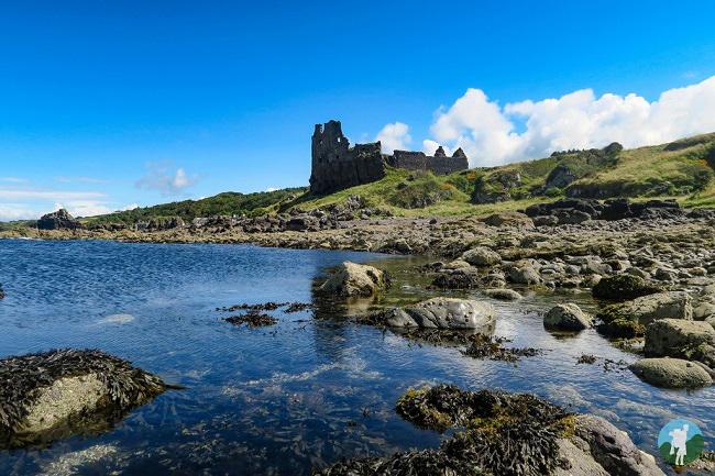dunure castle clifftop castles scotland