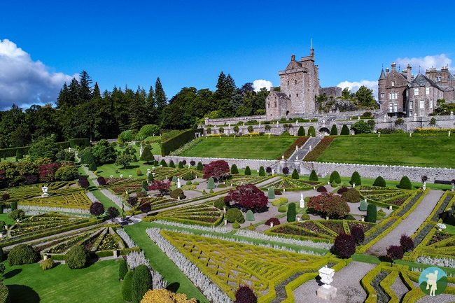 drummond castle gardens outlander
