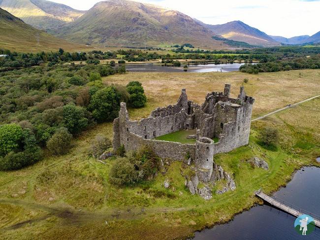 drone image kilchurn castle loch awe