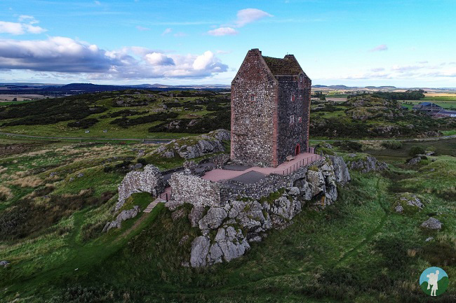 smailholm tower ruins scotland