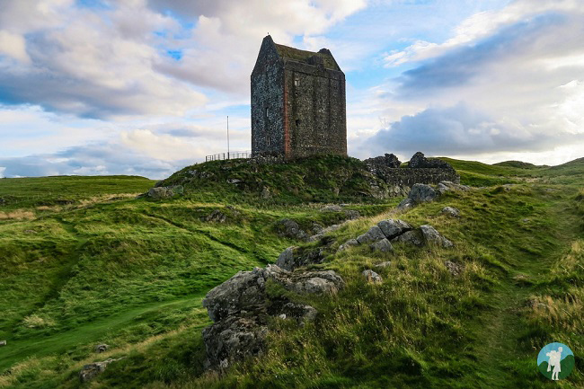 smailholm tower scottish borders history trail