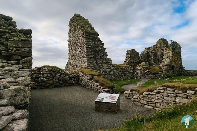 jarlshof shetland travel guide
