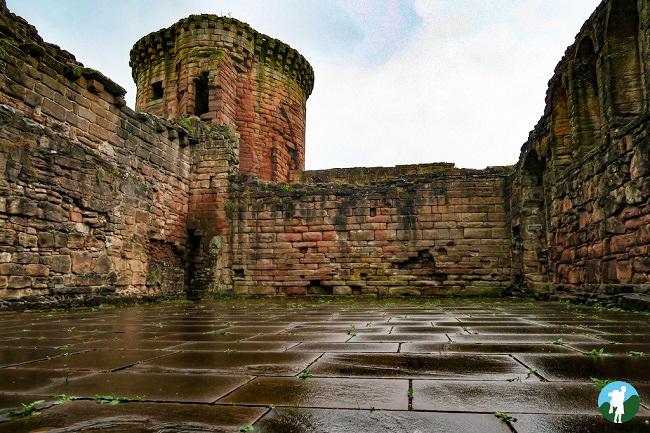 castles near glasgow bothwell ruins