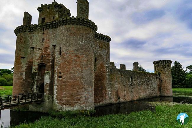 caerlaverock castle southern scotland itinerary dumfries