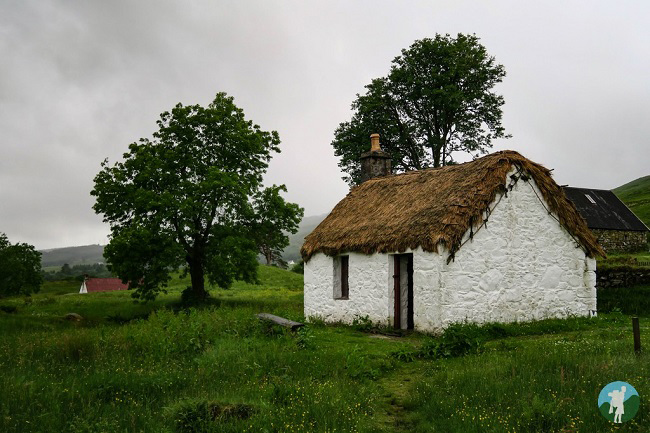 auchindrain cottage corryvreckan boat trips