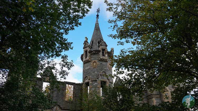 abandoned houses baronial scotland