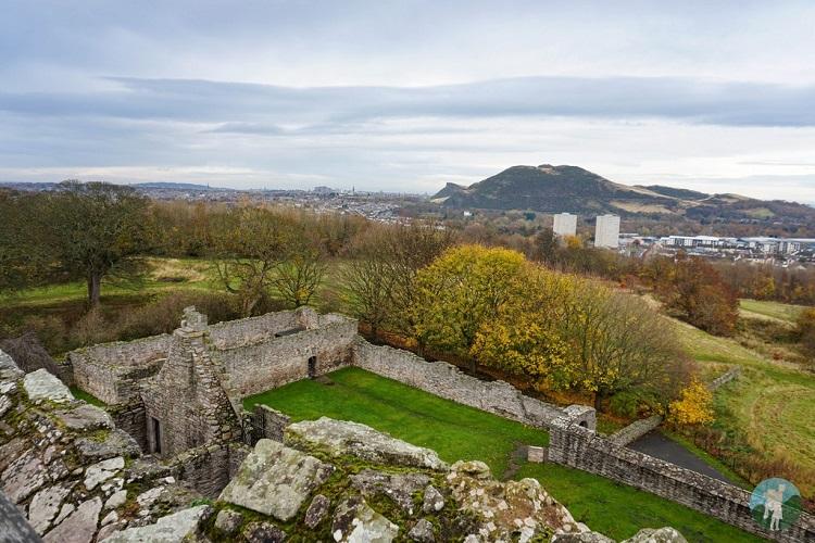 view craigmillar castle edinburgh