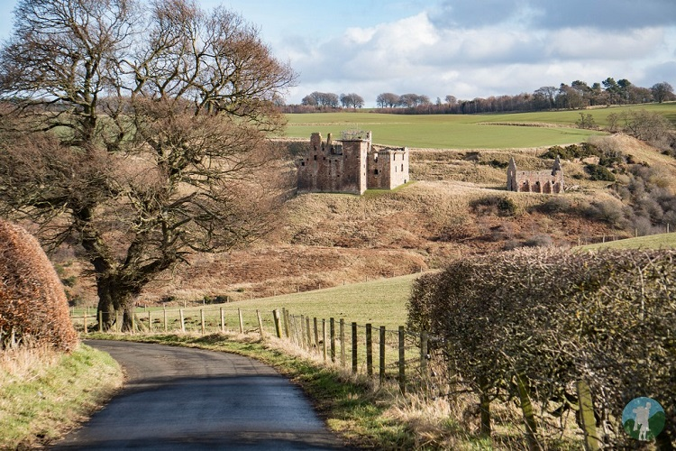 castles near edinburgh crichton