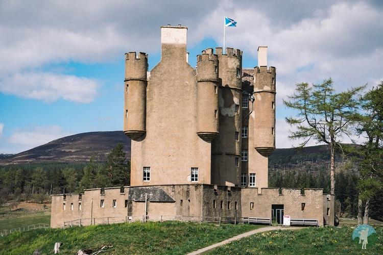 braemar castle ne250