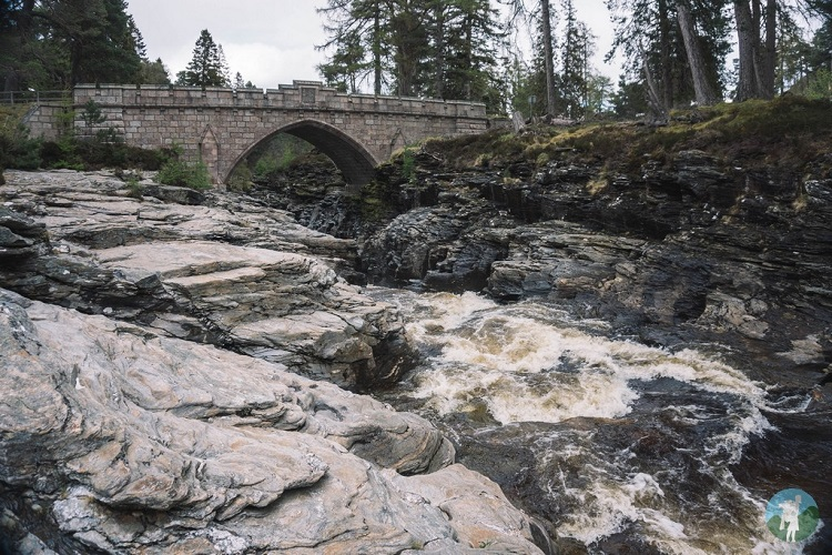 linn o dee waterfall