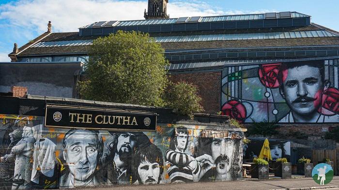 mackintosh street art