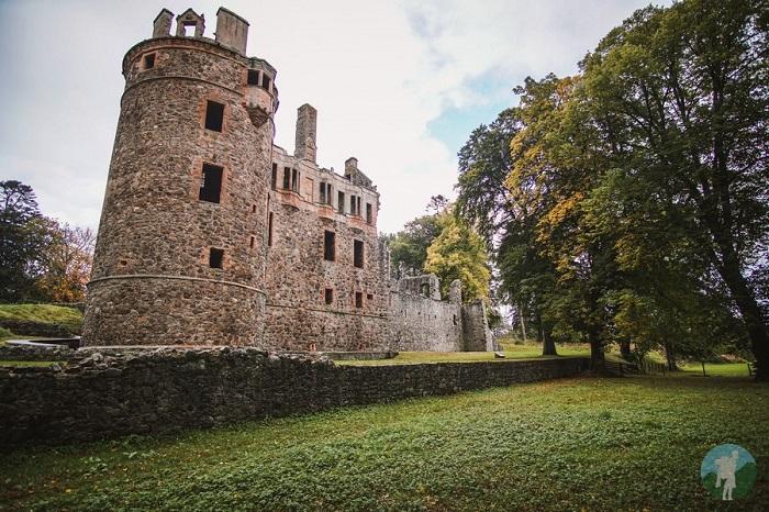 huntly castle aberdeen